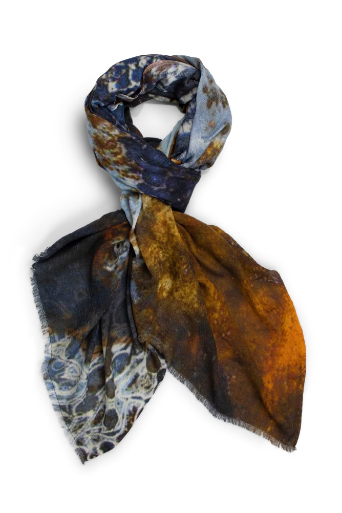 Katrin Uri. Winter waves scarf